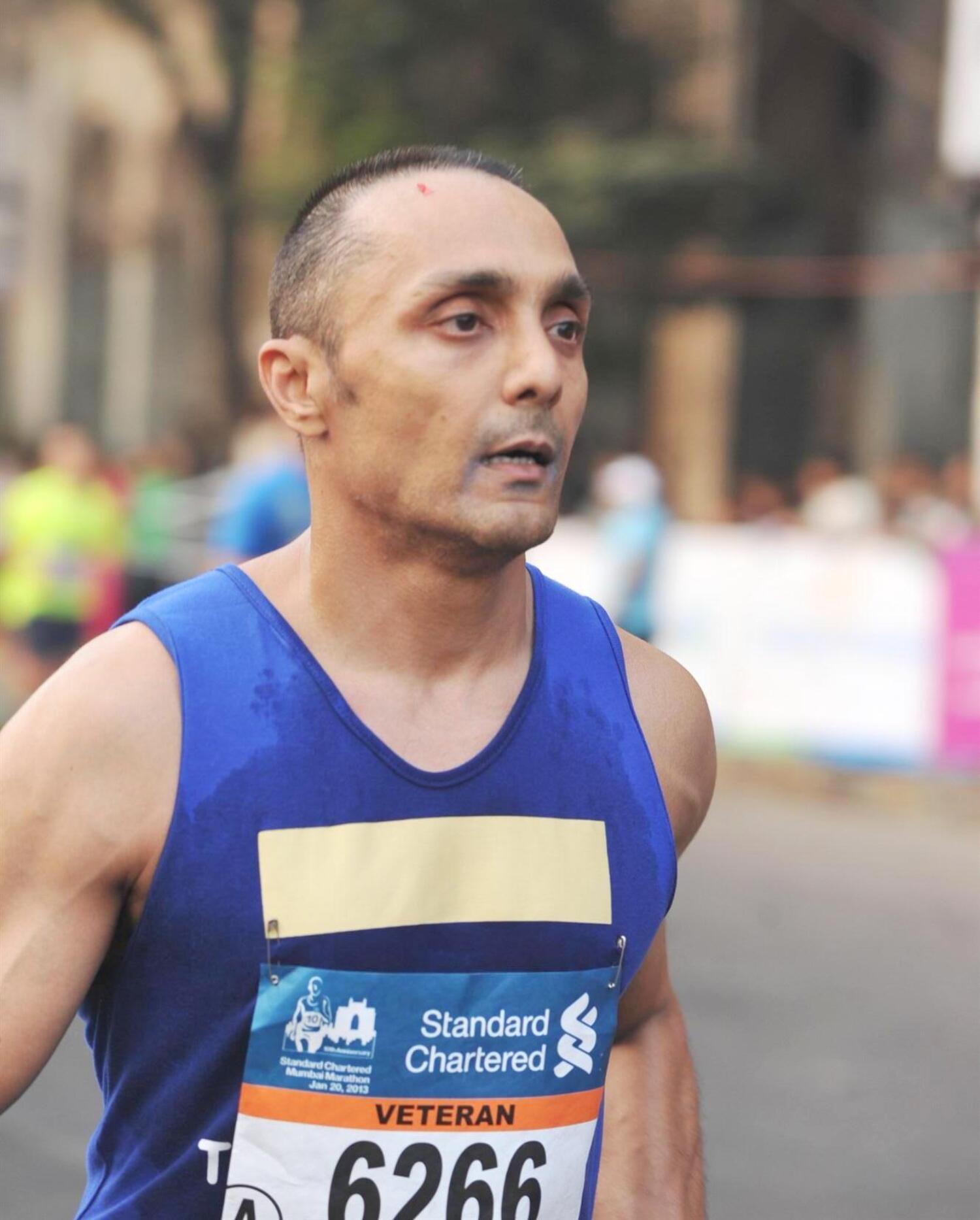 Rahul Bose At The 10th Standard Chartered Mumbai Marathon