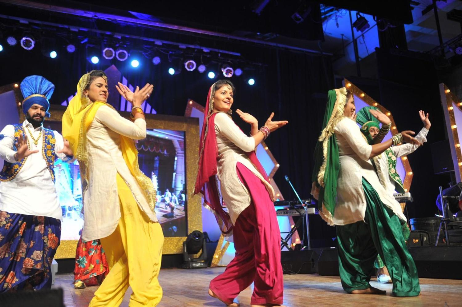 how to learn punjabi dance at home