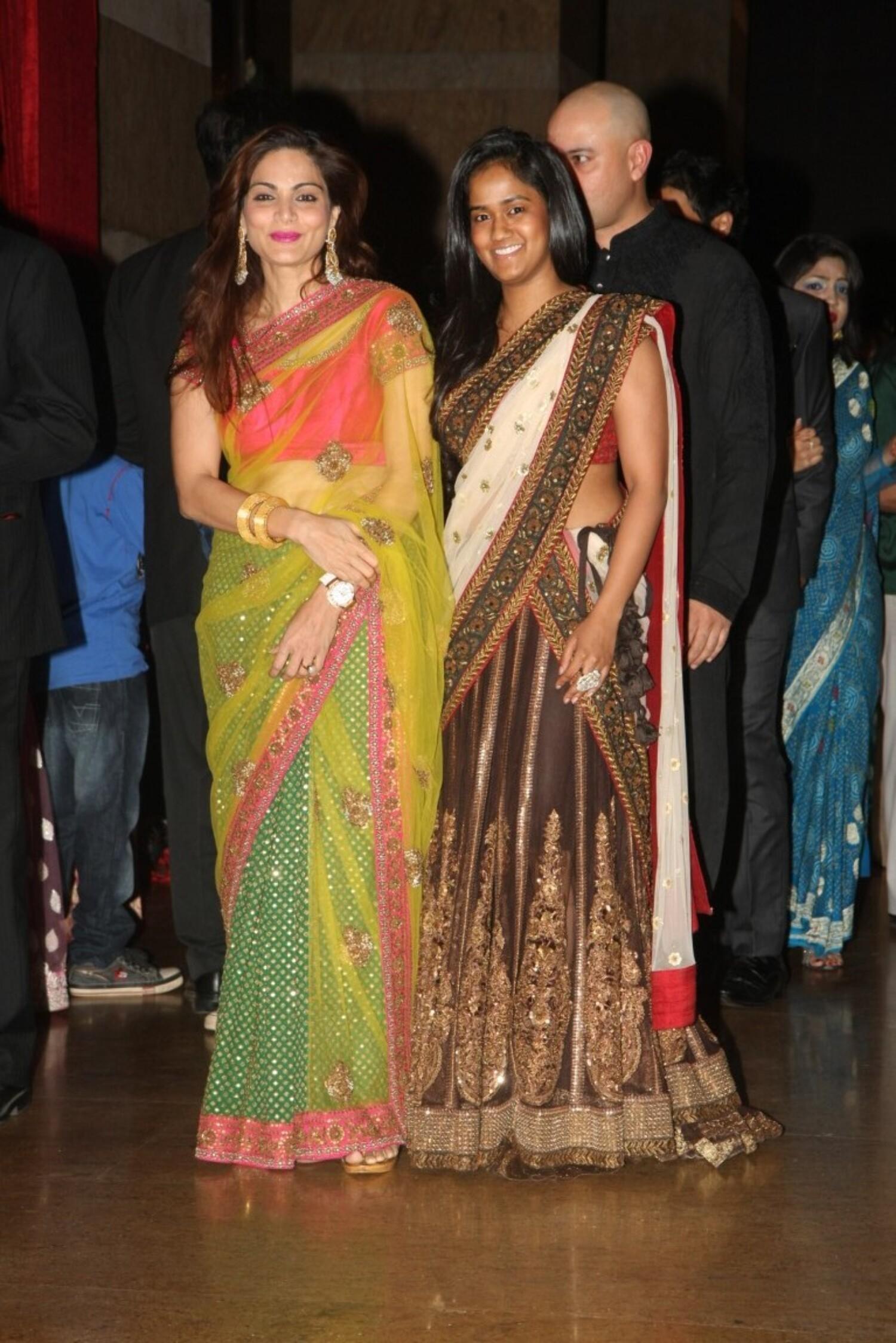 Salman-Khan-Alvira-Khan_Arpita-Khan-at-Ritesh-Deshmukh_Genelia-Wedding ...