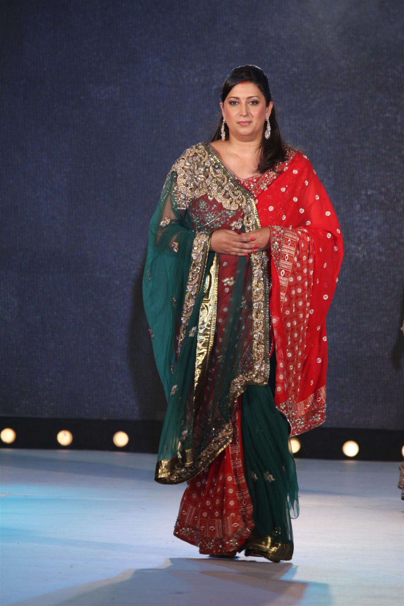 Bjp Leader Smriti Irani At Pidilite S 7th Annual Caring With Style Fashion Show To Support Cpaa