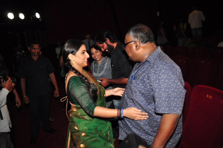 Vidya Balan with her debut film Parineeta director Pradeep ...