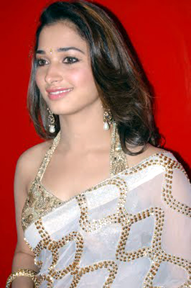 Tamanna Saree Lips: Tamanna Saree Pic : Tamanna Photos On Rediff Pages