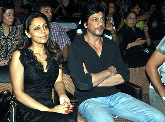 Shahrukh Khan with wife Gauri at Summer Funk 2012 event of Shiamak ...