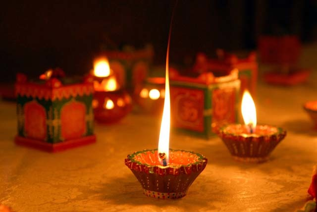 Diwali Diyas Pic : diwali 2012 on Rediff Pages