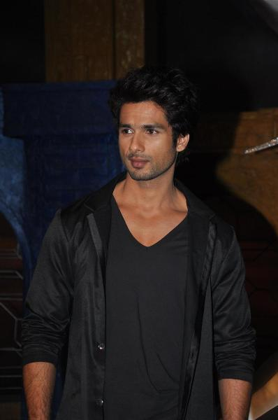 Shahid Kapoor promoting film TERI MERI KAHAANI at Extraaa ...