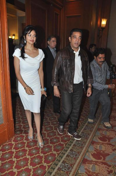 Kamal Haasan with Pooja Kumar at film VISHWAROOPPremiere tie up with VIDEOCON DTH announcing in Mumbai  9