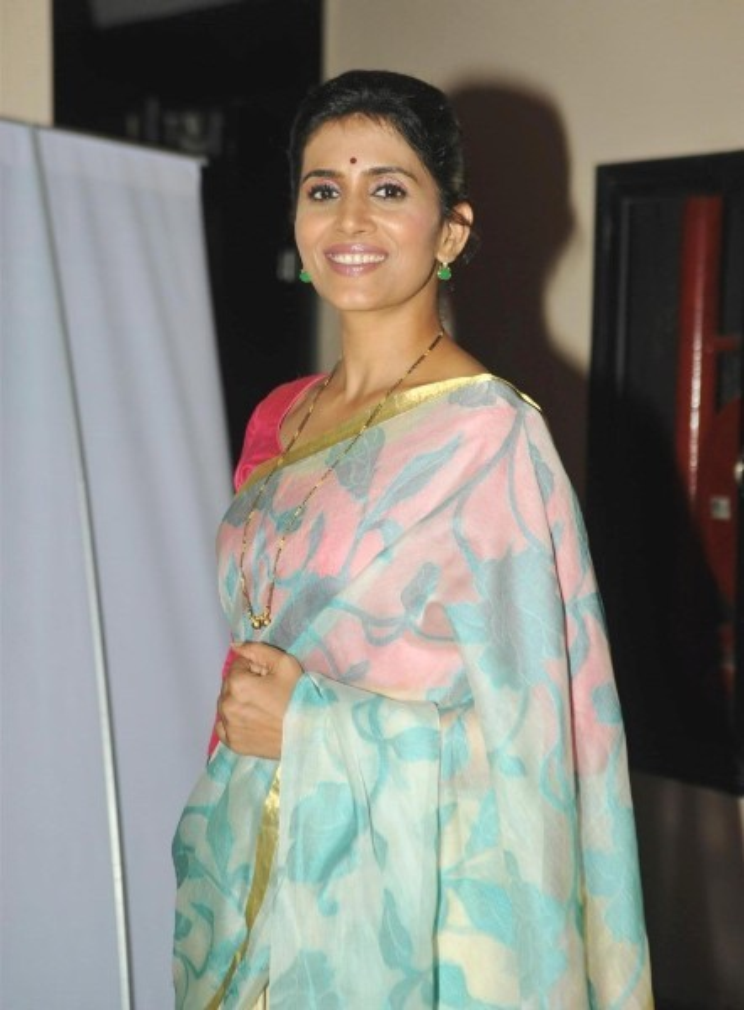 Sonali Kulkarni at the special screening of Marathi film Dr Prakash Baba Amte  3