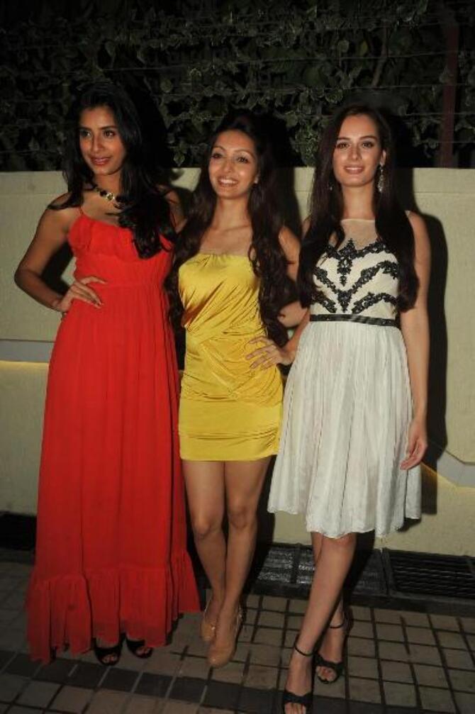 Gaelyn Mendonca Pooja Salvi Evelyn Sharma at film NAUTANKI SAALA ...