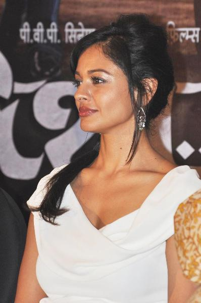 Pooja Kumar at film VISHWAROOPPremiere tie up with VIDEOCON DTH announcement event in Mumbai  2