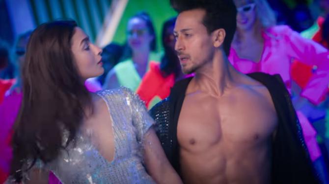 Student of the Year 2 Song Hook Up Starring Alia Bhatt   Tiger Shroff  25