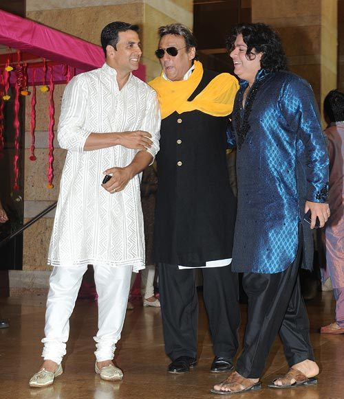Akshay Kumar  Jackie Shroff and Sajid Khan at Genelia DSouza and Ritesh Deshmukh Wedding Pic