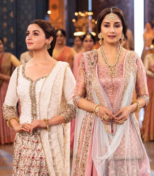 Alia Bhatt   Madhuri Dixit KALANK Movie Photos