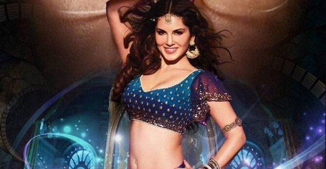 Sunny Leone Raees Movie Laila Song Stills  9