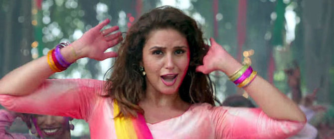 Huma Qureshi  Akshay Kumar Jolly LLB 2 Go Pagal Song Stills  8