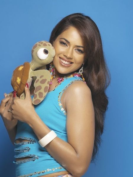 Sameera Reddy Cute Looks
