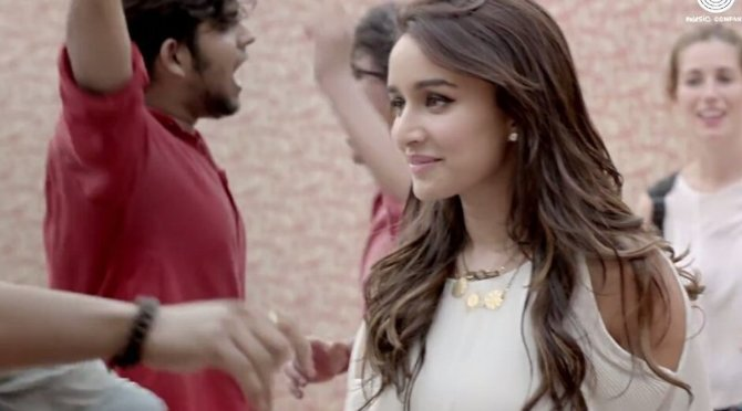 Shraddha Kapoor Half Girlfriend Movie Song Pics  3