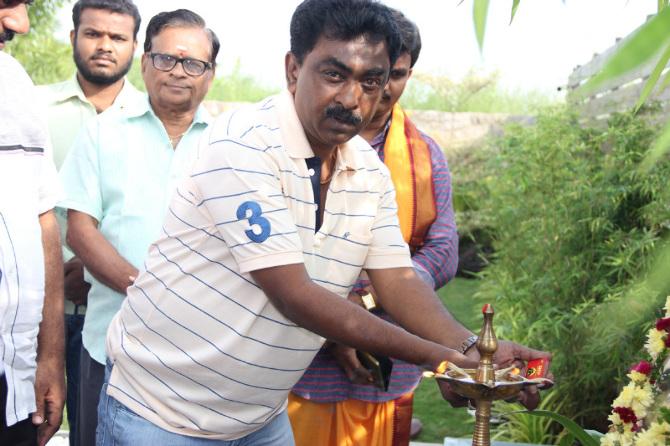 Poonam Pandey  s new film Opening  42