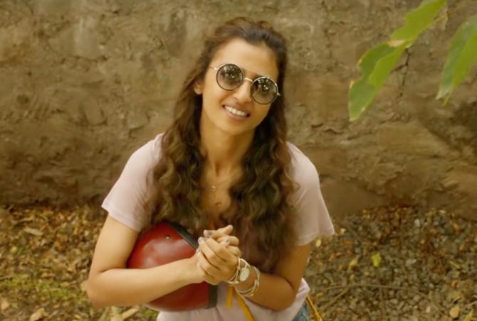 Radhika Apte Andhadhun Hindi Movie Photos  28
