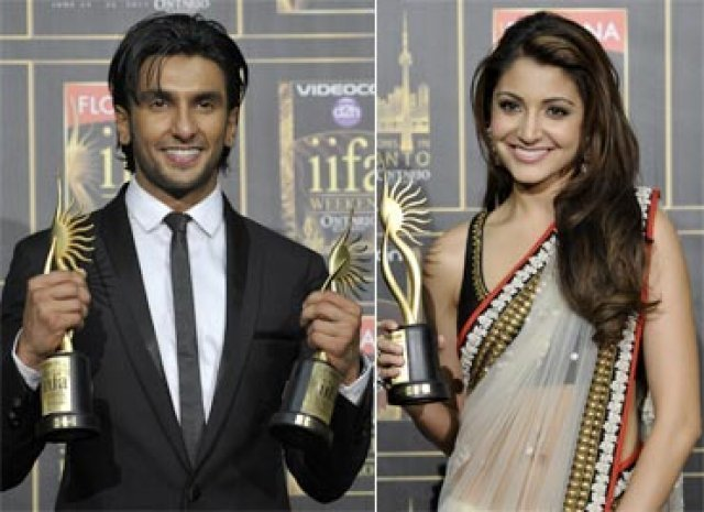 Anushka Sharma and Ranveer Singh Award winner at IIFA 2011