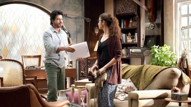 Alia Bhatt Shah Rukh Khan Dear Zindagi Movie Stills