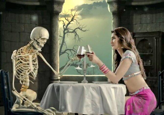 Kriti Sanon Stree Movie Song Pics  4