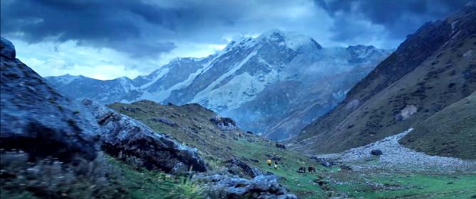 Kedarnath Hindi Movie Photos  17