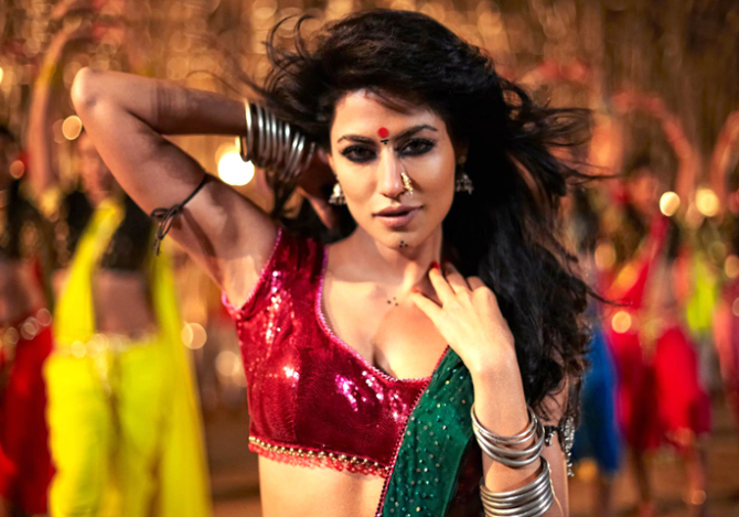 Chitrangada Singh Item Song in Joker Movie Pic