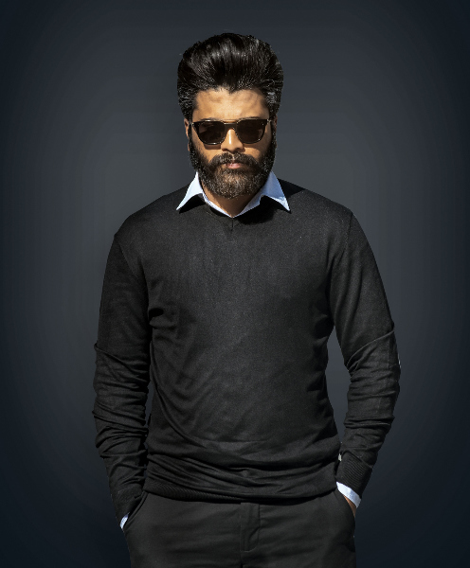 Sharwanand starrer Ranarangam Telugu Movie Photos  20