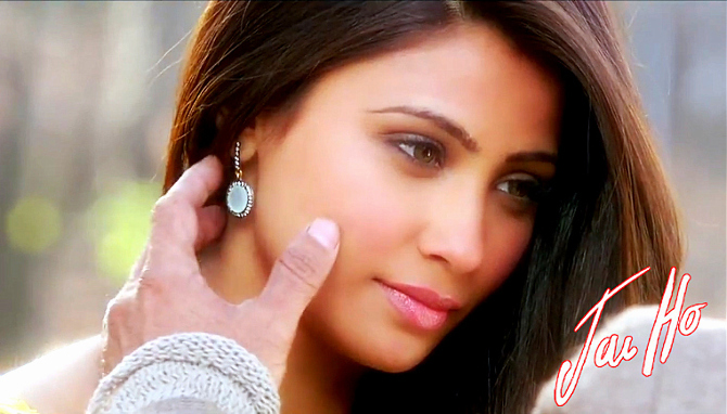 Daisy Shah in Jai Ho Film Song Tere Naina Pic