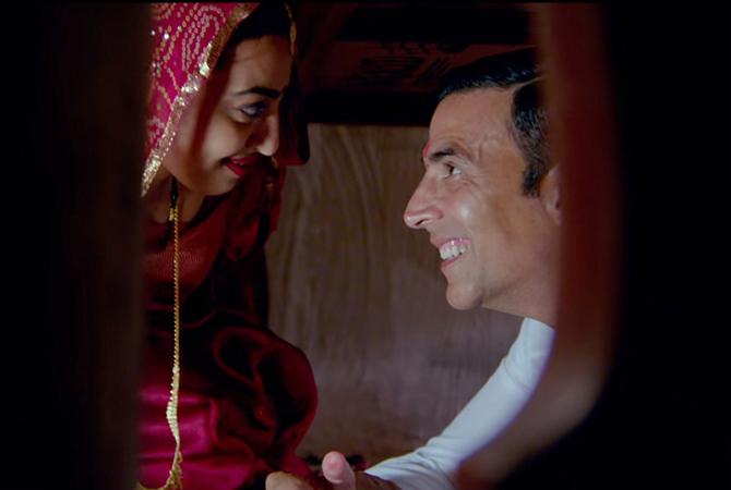 Radhika Apte   Akshay Kumar Starrer Padman Movie Song Stills  13
