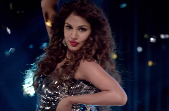 Rhea Chakraborty Bank Chor Movie Title Song Pics  4