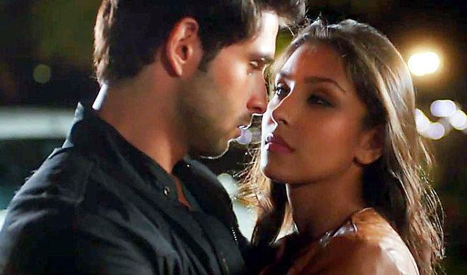 Download Film The LoveShhuda miza9ytmtk59uu69.D.0.Navneet-Kaur-Dhillon-And-Girish-Kumar-Film-Loveshhuda