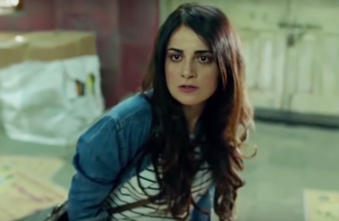 Radhika Madan Mard Ko Dard Nahi Hota Movie Photos 12