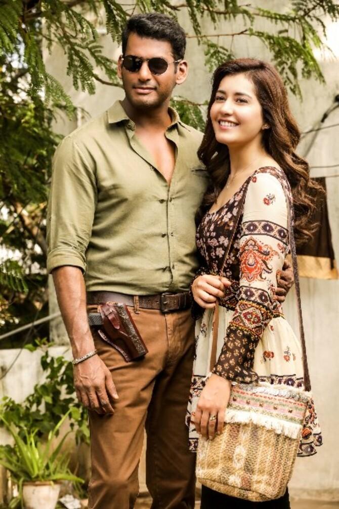 Raashi Khanna   Vishal starrer AYOGYA Tamil Movie Stills  11