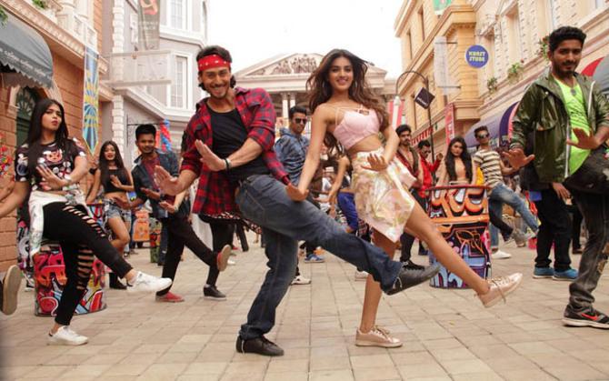 Niddhi Agerwaland Tiger Shroff Munna Michael Movie Song Pics