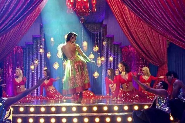 Malaika Arora Khan Housefull 2 Anarkali Disco Chali Song Photo