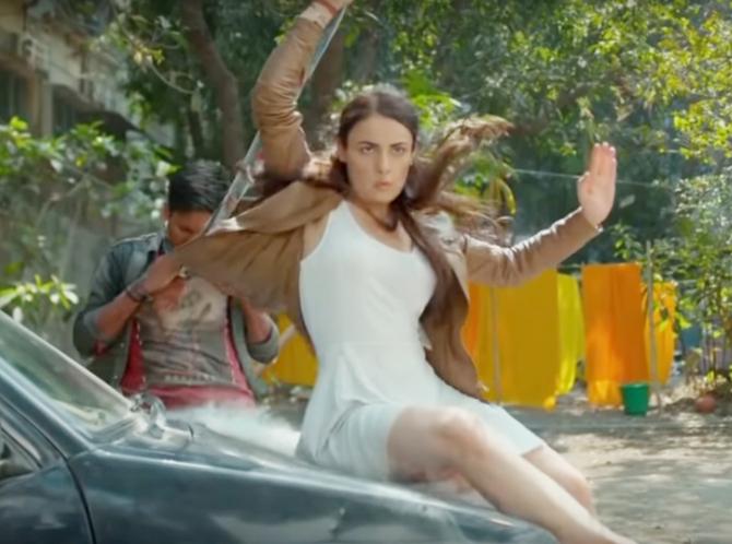 Radhika Madan Mard Ko Dard Nahi Hota Movie Photos 10