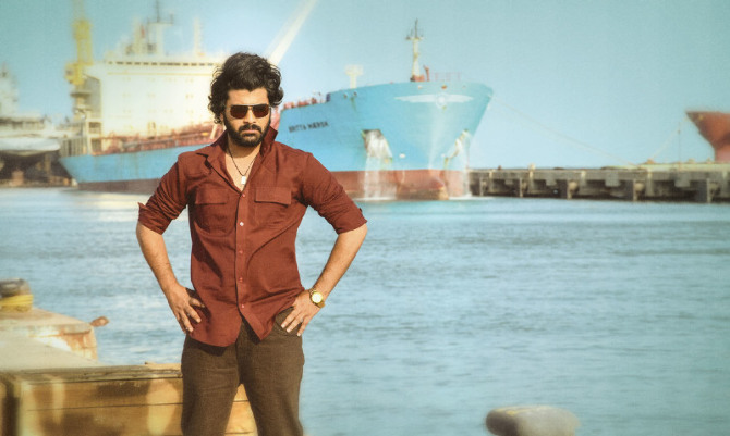 Sharwanand starrer Ranarangam Telugu Movie Photos  4