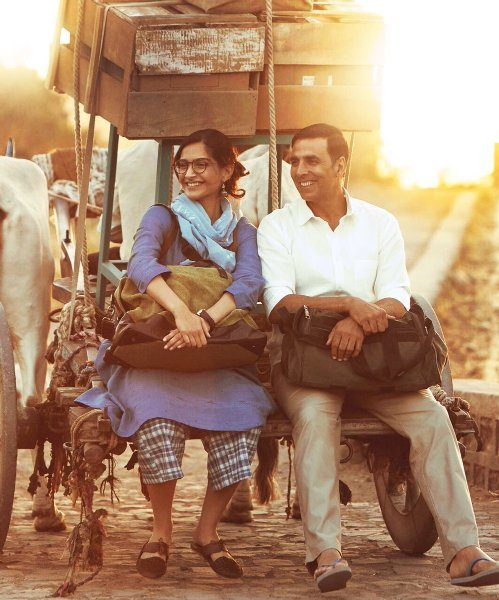 Sonam Kapoor Akshay Kumar Padman Movie First Look