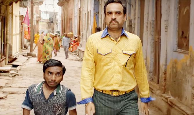 Pankaj Tripathi  Kriti Sanon   Kartik Aaryan starrer Luka Chuppi Hindi Movie Photos  13