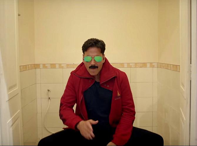 Akshay Kumar Toilet   Ek Prem Katha Song Pic  2