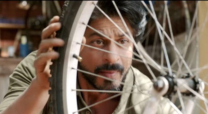 Shah Rukh Khan Dear Zindagi Movie Stills