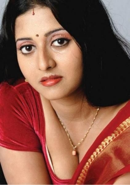 sindhoori actress hot 20091211 1771236016