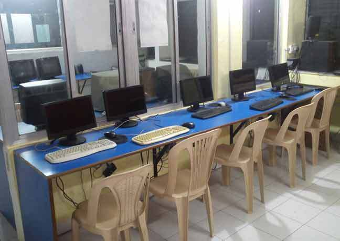 computer lab image 2
