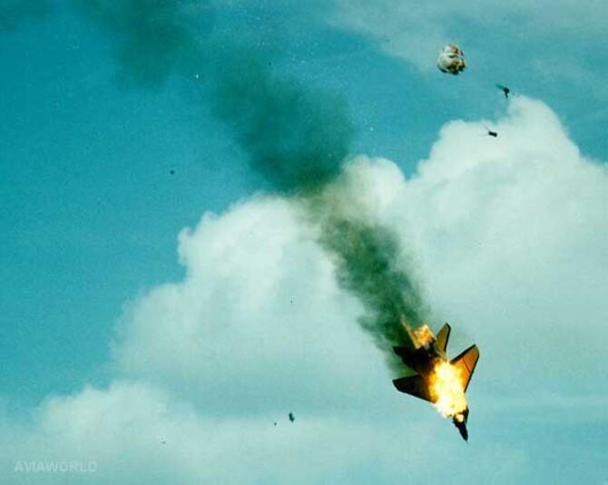 https://datastore05.rediff.com/h450-w670/thumb/6063535E55685E615964625C6E343536/1iwyw8qw01monvya.D.0.aircraft-crash.JPG